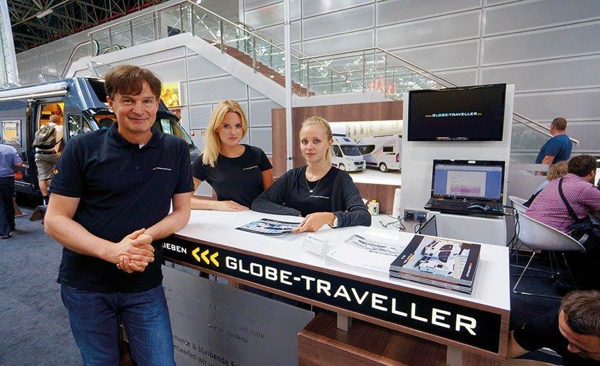 Obecność na największych targach w Europie to najważniejsza część marketingu Globe-Travellera. Jacek Jaskot na targach w Düsseldorfie, sierpień 2015.