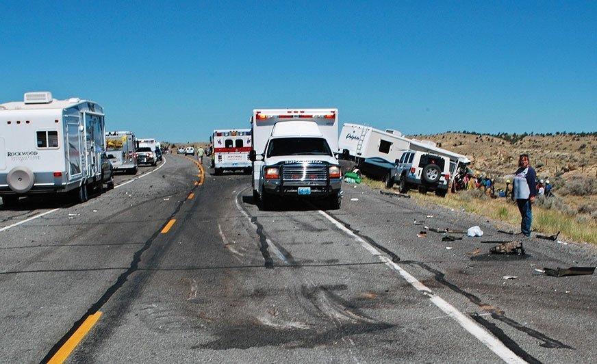 Śmiertelny wypadek kampera i SUV-a na drodze w pobliżu Thermopolis.