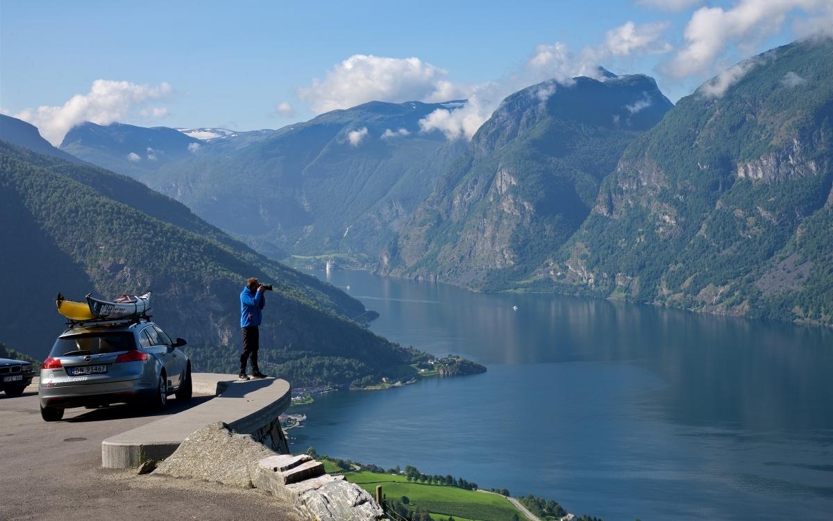 Samochodem po Norwegii? Najlepiej promem