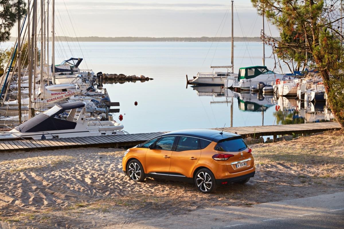 Bezpieczna podróż z przyczepą - radzi Renault