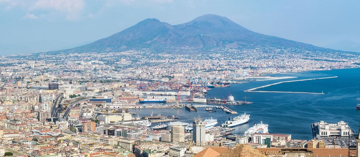 Z przyczepą kempingową do Neapolu i dalej