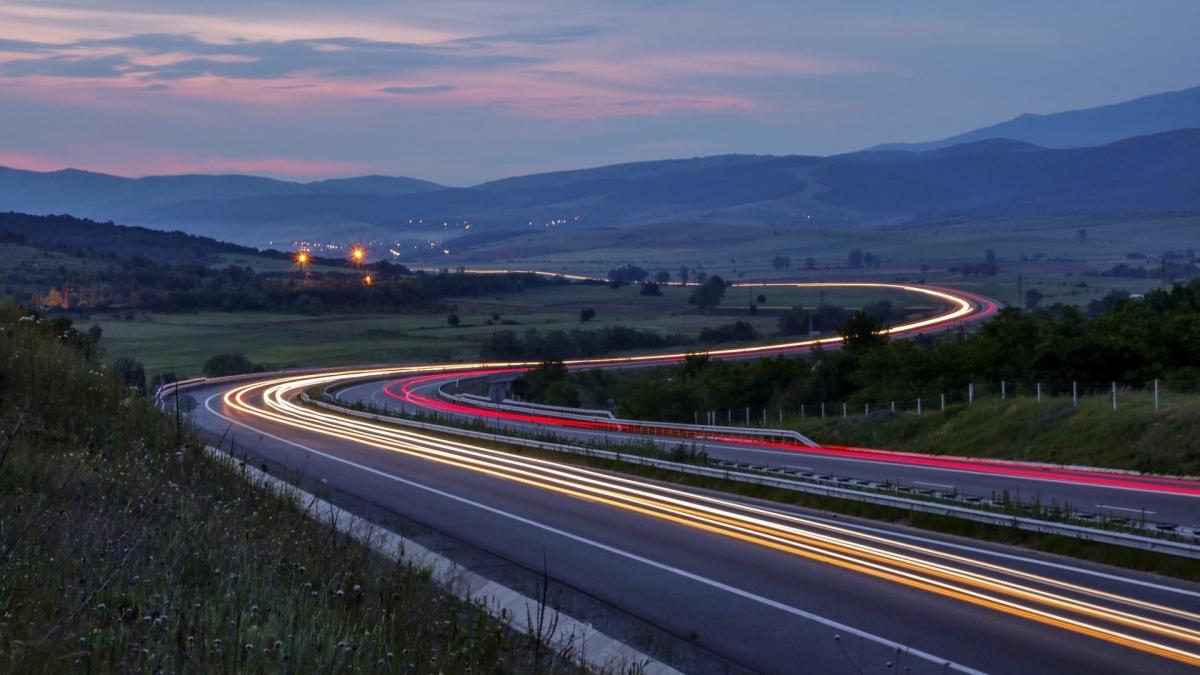 Jak poprawnie jeździćpo autostradzie?