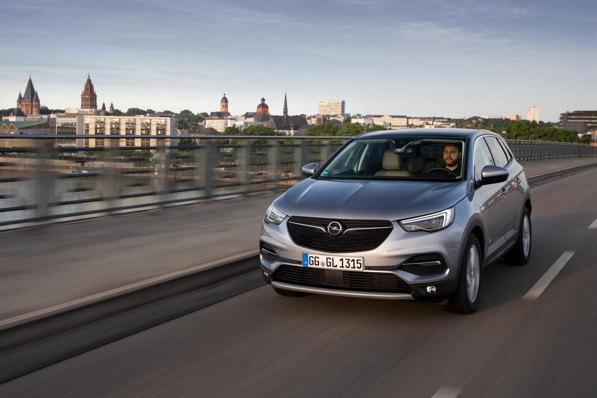 Więcej mocy w modelu Opel Grandland X