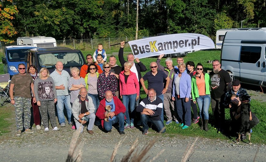 BusKampery pod Karpaczem