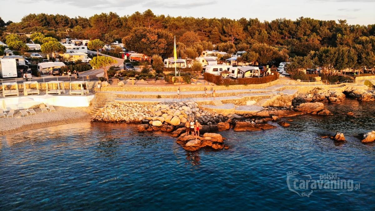 Camping we Włoszech lub Chorwacji to świetny pomysłna spędzenie wakacji ze znajomymi, rodziną lub tylko w parze