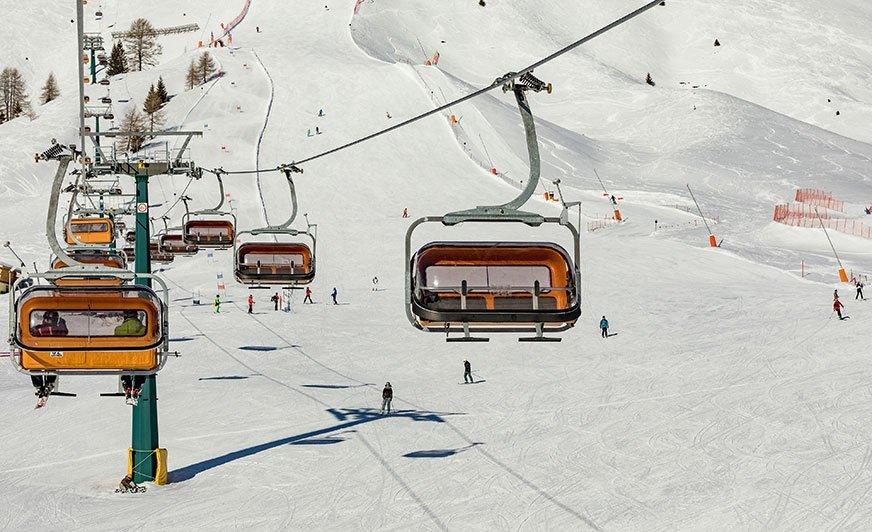 Wjazd na stoki w Alpe Lusia