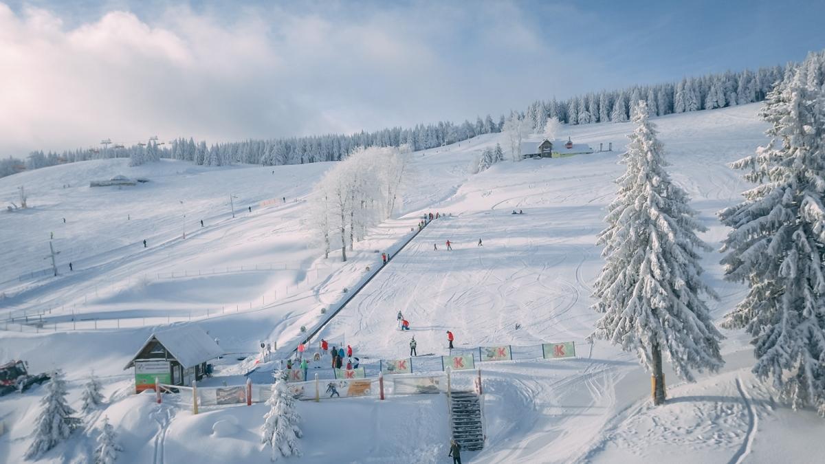 Pokrywa śnieżna znacznie przekroczyła już100 centymetrów. Warunki do jazdy są idealne