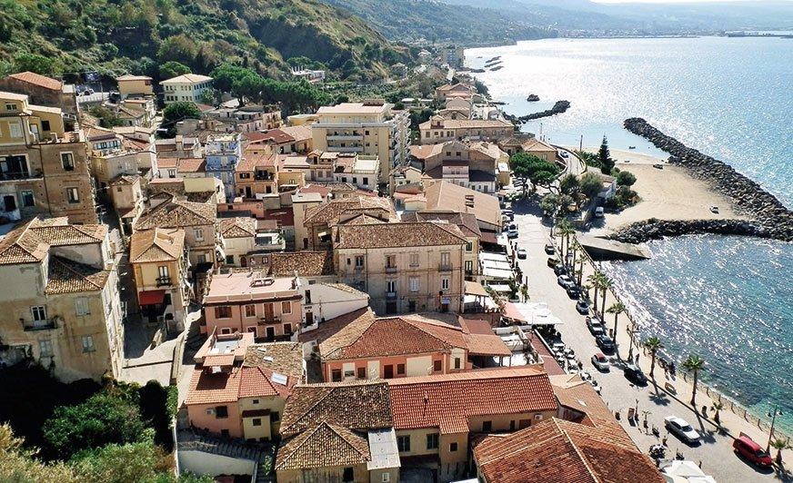 Pizzo. Średniowieczna miejscowość z wąskimi uliczkami nie dla kampera