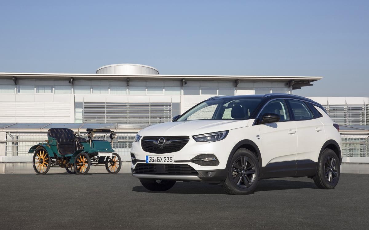 """Opel Grandland X edycja """"120 lat"""": komfort siedzenia ma długą tradycję"""