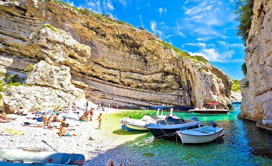 Malownicze plaże na Vis