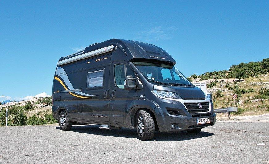 Pathfinder XS jawi się niczym muscle car pośród kampervanów – nie tylko za sprawą muskularnej linii dachu