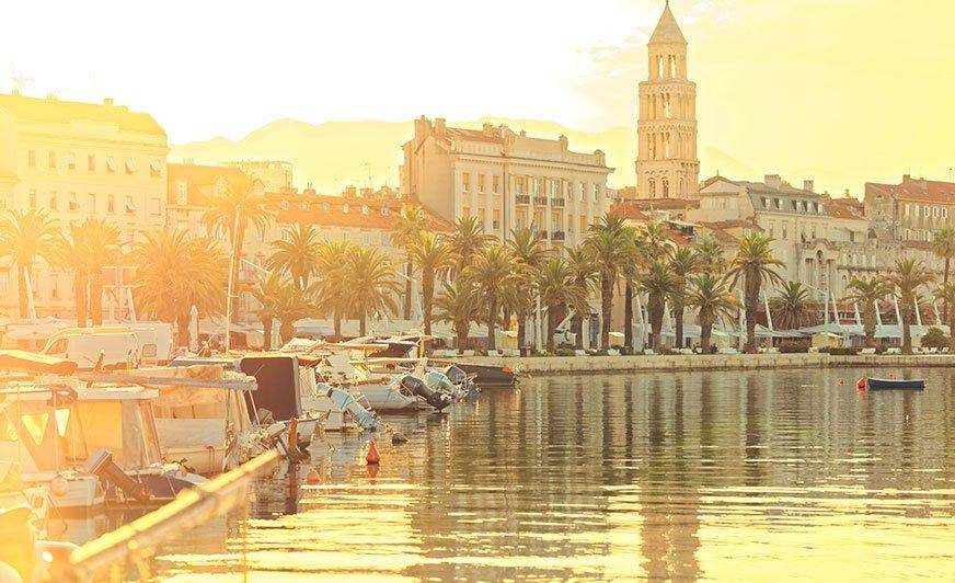 Split - wschód słońca nad promenadą