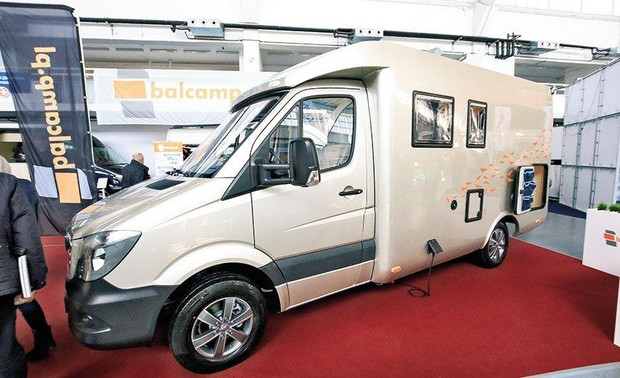 Kamper na mercedesie to jużdomena firmy Balcamp. Na targach dowiedzieliśmy się, że wkrótce zostanąpokazane pojazdy na trzeciej wersji Sprintera. Czekamy!