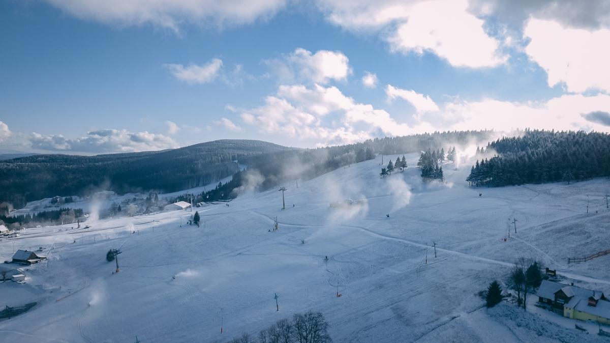 Stacja narciarska w Zieleńcu to piękne widoki i niezwykły mikroklimat