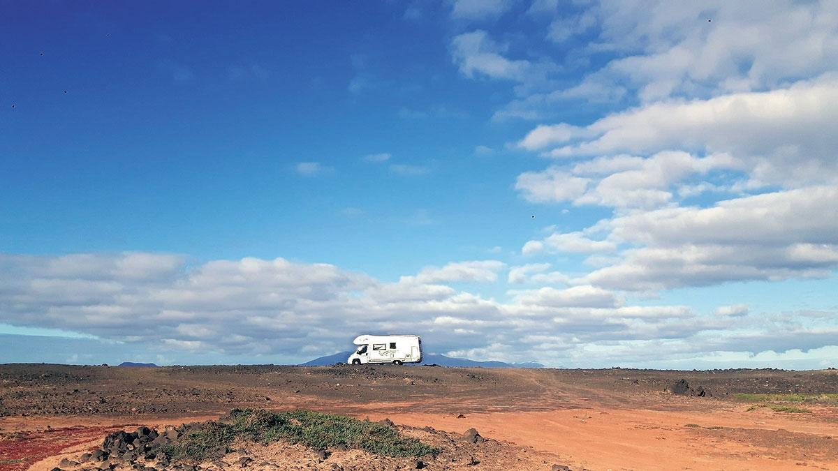 Brak kempingów nie przeszkadza wrozwoju mobilnej turystyki na Fuertaventurze