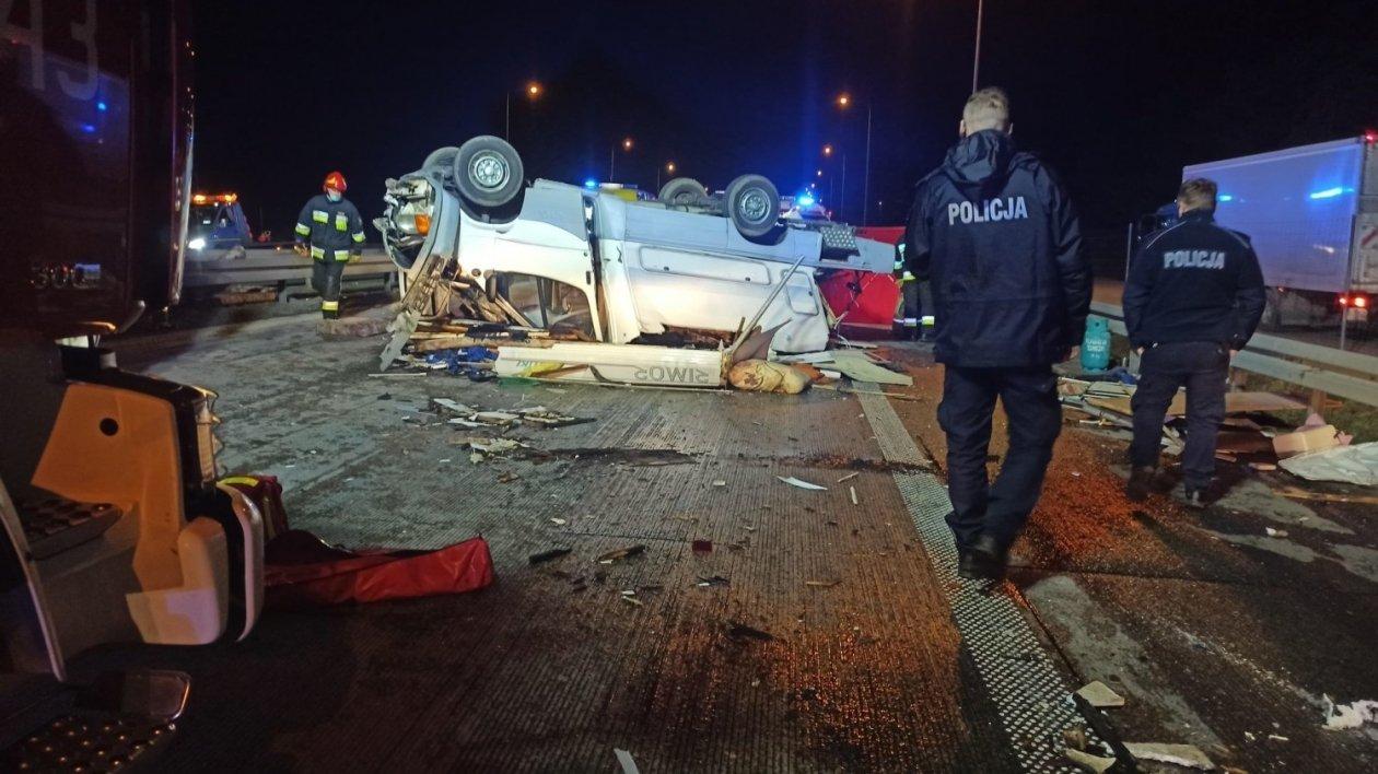 Wypadek na S8 z udziałem kampera. Nie żyje jedna osoba