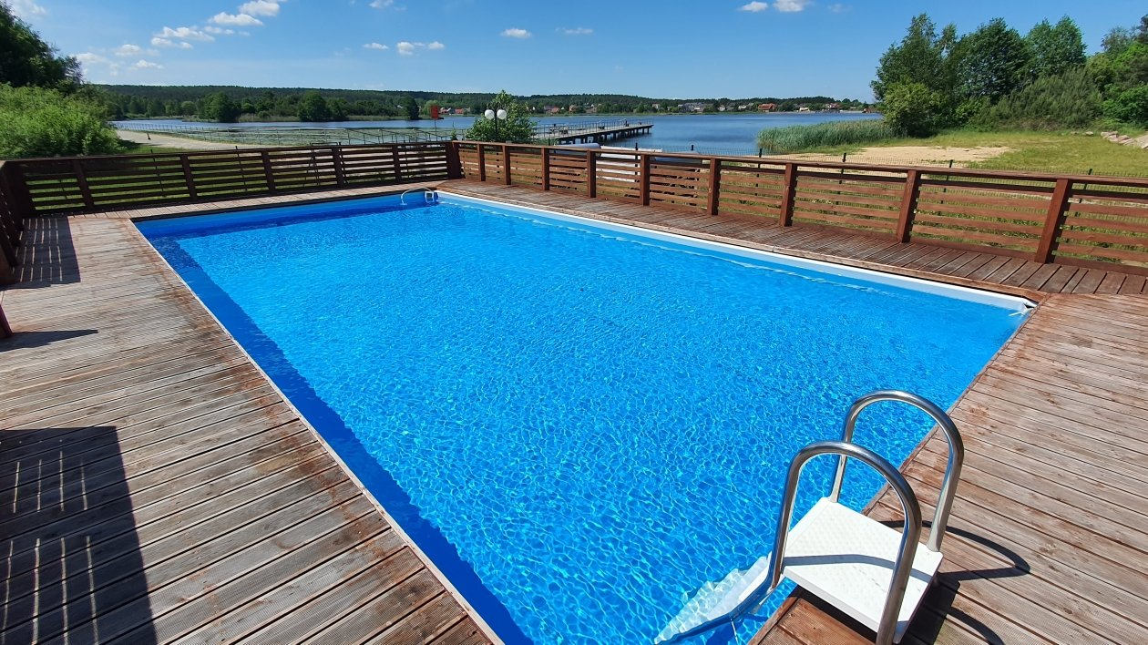 Kempingi z basenami w Polsce