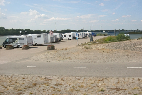 Parking Camperplaatsen Tolkamer Holandia