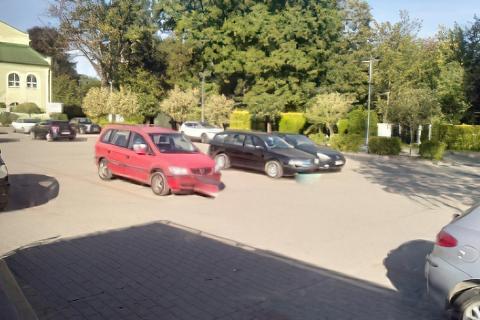 Łańcut parking przy MOSiR