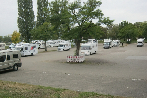 Wohnmobilstellplatz   Breisach