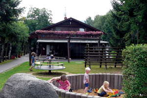 Nibelungen-Camping am Schwimmbad