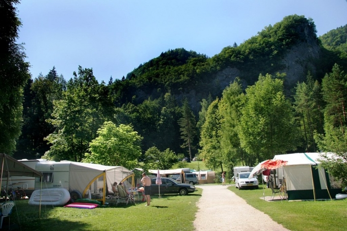 Camping Bled ******