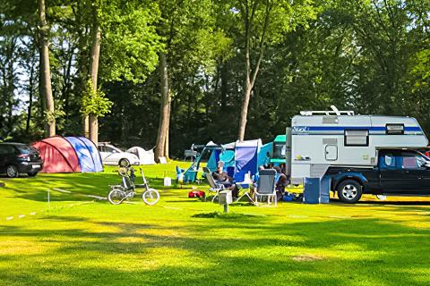 Internationaler Campingplatz nahe am Röcksee