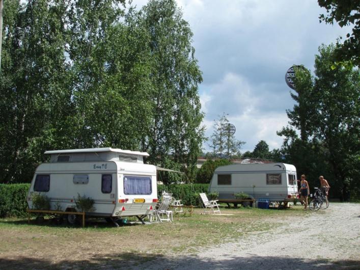 Camping na Ostrove *
