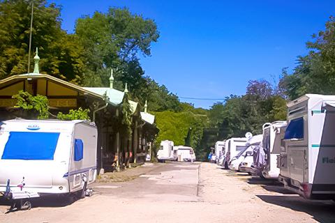 Zugligeti Niche Camping