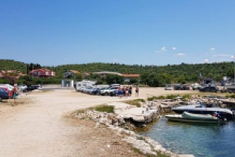 Bezpłatny parking Tisno Croatia
