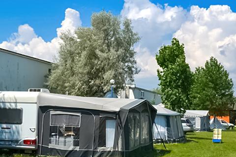 Camping S Mamaia