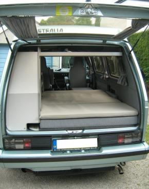 VW T3 1.6D 4 biegi, rok 1981,pełna dokumentacja Niemiecka. Dla konesera, do odrestaurowania.